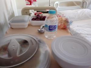 El colectivo denuncia el abuso del plásticos en los hospitales.