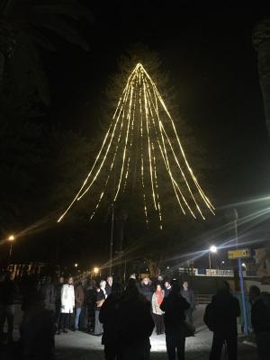 La iluminación navideña se ha encendido este jueves en el Puerto de Motril.