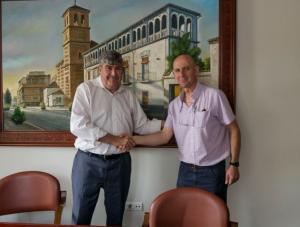 Acuerdo entre el consistorio atarfeño y Endesa.