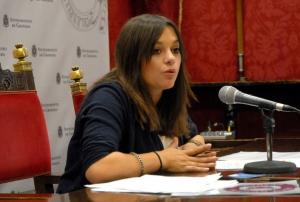 La concejal Jemi Sánchez informa de los cursos y talleres para mayores.