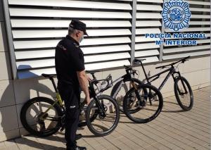 Las tres bicicletas recuperadas.