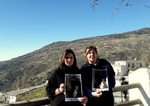 La alcaldesa (drcha.), Mª Carmen Pérez, y la concejala Eva Perea.