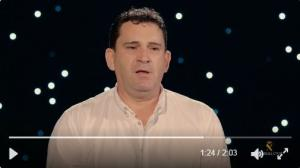Ángel explica en el vídeo el rescate de su familia.