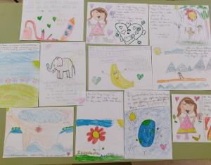 Cartas y dibujos de los pequeños de La Zubia.