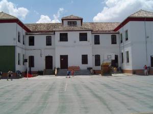 Colegio de Infantil y Primaria 'Gómez Moreno', en el Albaicín.