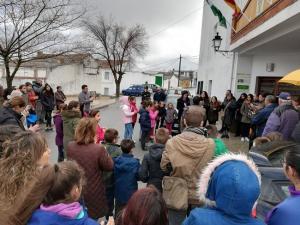 Imagen de la concentración, a las puertas del Ayuntamiento.