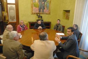 Reunión entre el alcalde y responsables vecinales.