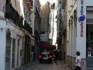 Imagen de archivo de una intervención de Bomberos y Policía Local en calle Estribo.