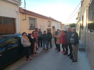 Vecinos afectados por los cortes de luz en Padul.