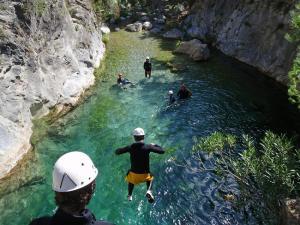 Barranquismo en ríos, una de las actividades programadas.