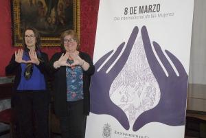 La concejala Ana Muñoz con la responsable del servicio de Igualdad Milagros Mantilla.