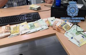 Dinero intervenido en los registros, unos 31.000 euros.
