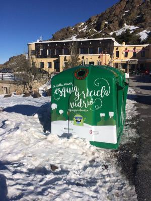 Uno de los contenedores habilitados en la estación de esquí.