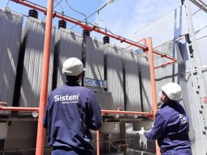 Técnicos trabajan para solucionar incidencia en subestación eléctrica de Granada.