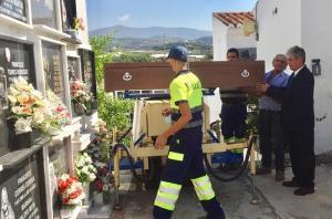 Han recibido sepultura en el patio número 5 del cementerio motrileño.