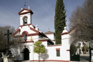 Iglesia de San Isidro, en la plaza del mismo nombre.