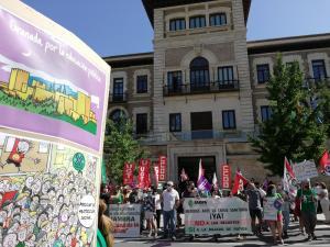 Concentración este jueves a las puertas de la sede de la Junta.