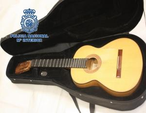 Guitarra recuperada.