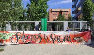 En la entrega de alegaciones se ha expuesto una pancarta en defensa de la Sierra de la Sagra.