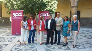 Representantes de Junta y Diputación, en el Hospital de San Juan de Dios.