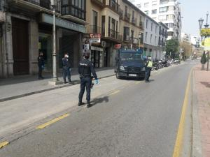 Control de la Policía Nacional al inicio del estado de alarma.