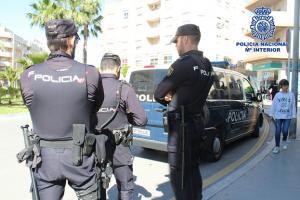 La actuación coordinada de los agentes evitó una tragedia.