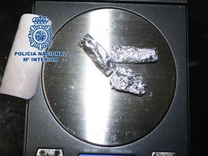 Papelinas intervenidas en la operación policial.