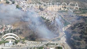 Imagen del incendio, en el Tajo de la Hoz.