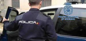 La Policía busca a un segundo individuo relacionado con los robos.