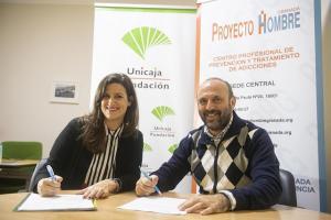 Firma de la colaboración entre Fundación Unicaja y Proyecto Hombre.