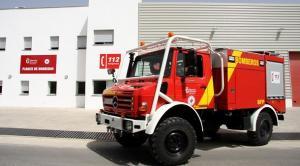 Vehículo de extinción de incendios del Consorcio Provincial de Bomberos.