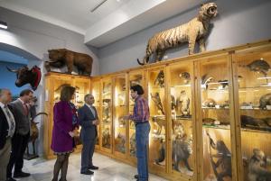 Visita del delegado de la Junta al Museo de Ciencias del centro.