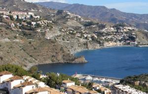 Acantilado entre Marina del Este y la playa de El Muerto, donde estaba el joven.