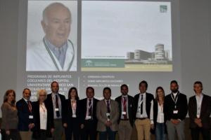 Jornadas sobre impantes cocleares, con la imagen del doctor Manuel Sainz.
