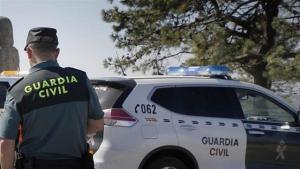 Un guardia civil cayó durante la persecución y resultó herido.