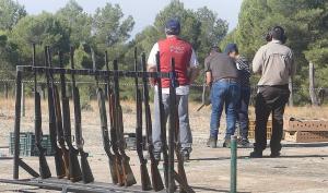 Competición de tiro de pichón durante la Feria de la Caza de Iznalloz.