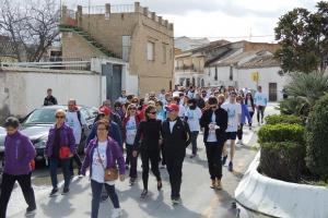 La marcha solidaria por las calles del municipio.