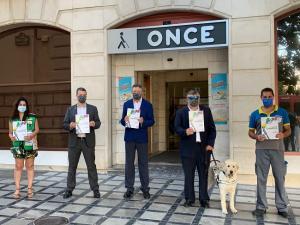 Los representantes de la ONCE, este miércoles en Granada.