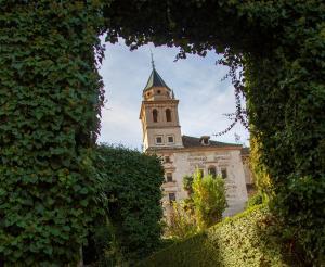 La Iglesia de Santa María de la Alhambra, una de las inmatriculadas, se encuentra en el recinto de la Alhambra.