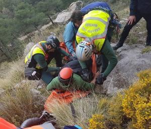 Evacuación del montañero accidentado.