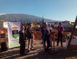Acto de puesta de la primera piedra del nuevo centro educativo.