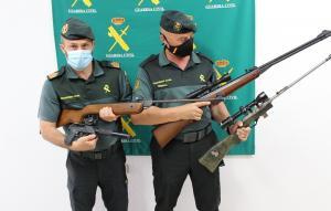 Armas intervenidas por los agentes a los cazadores.