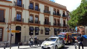 Bomberos y Policía Local, a las puertas del restaurante.