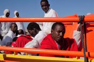 La Salvamar Hamal las ha trasladado al Puerto de Motril.