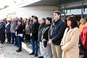 Minuto de silencio a las puertas de la Diputación.