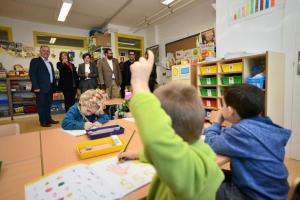 Escolares en una de las nuevas aulas.