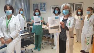 La directora de Enfermería, Yolanda Mejías, junto a parte del equipo que ha coordinado la guía.