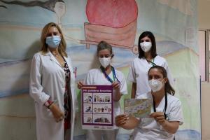 La jefa de servicio, Inmaculada García, a la izquierda, junto a parte del equipo de Medicina Física y Rehabilitación.
