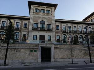Edificio de La Normal, sede de la Junta.