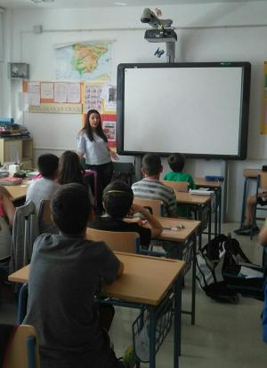 Una de las charlas en un colegio.